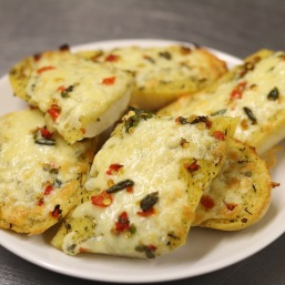 garlic bread with cheese and fresh chillies